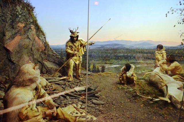 13 ဒါကေတာ႕ ေ႐ွးေခတ္က Red Indian ေတြ ေနပံု ထိုင္ပံုကို ႐ုပ္ထု ႏွင္႕ ျပထားတာ ။