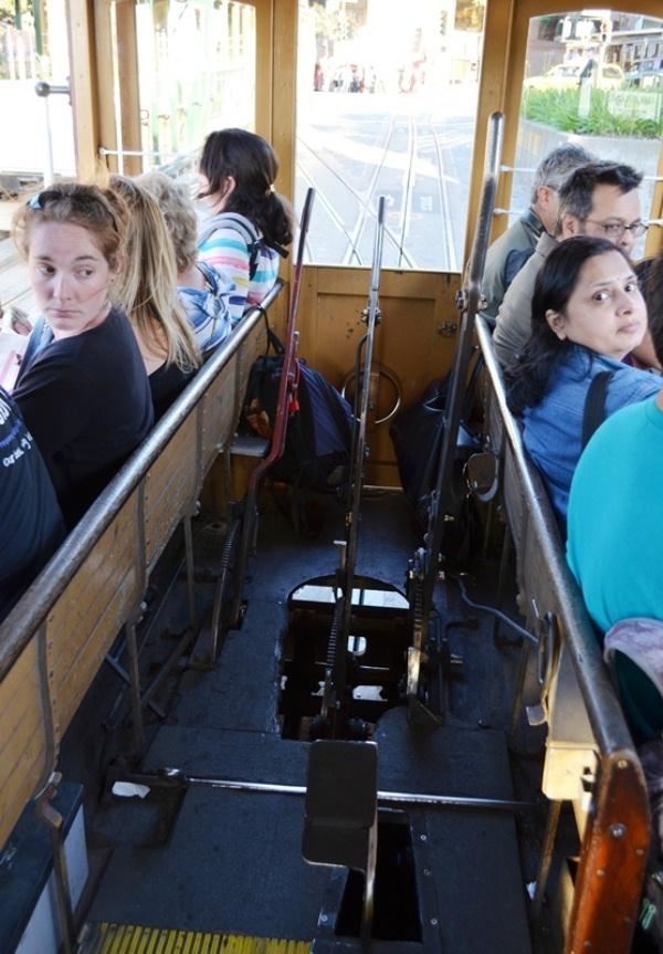 18. ဒါကေတာ႕ Tram ေမါင္းတဲ႕ Driver ေနရာပါ ။