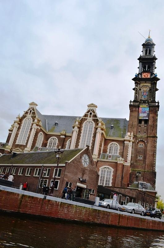 Amsterdam ရဲ႕ နာမည္ေက်ာ္ Canal တူးေျမာင္း တစ္ေလ်ွာက္ ျမင္ကြင္းေတြ - 2