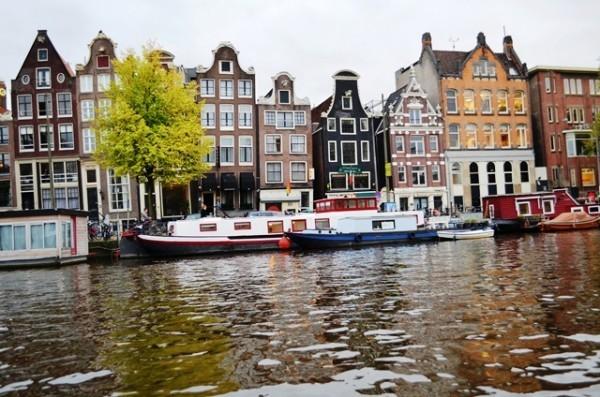 Amsterdam ရဲ႕ နာမည္ေက်ာ္ Canal တူးေျမာင္း တစ္ေလ်ွာက္ ျမင္ကြင္းေတြ - 3