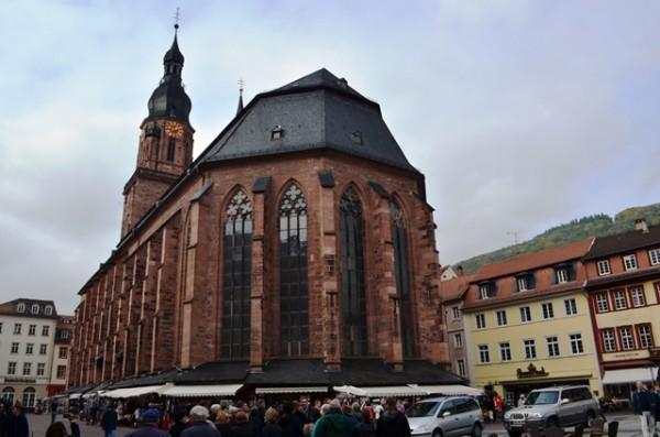 Heidelberg ၿမိဳ႕လည္ က Heidelberg Cathedral ။