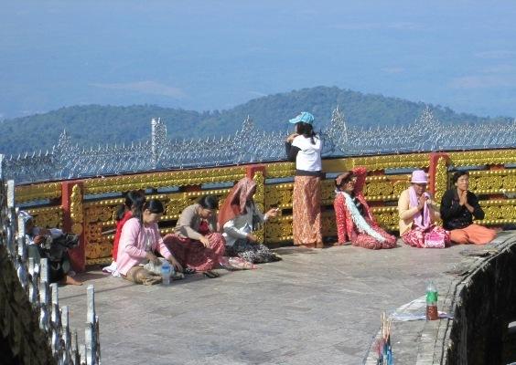 ပံု(၅) ဘုရားဖူးမ်ား