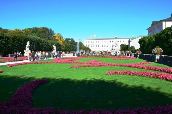 Salzburg မင္းသား နန္းစိုက္ခဲ႕တဲ႕ Mirabell Palace နန္းေတာ္ ႏွင္႕ Mirabell Garden ဥယ်ာဥ္