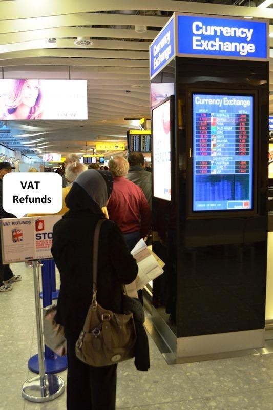 VAT Refund လို႕ေရးထားတဲ႕ Approved Money Changer မွာ ပိုက္ဆံကို သြားထုတ္ရမယ္ ။